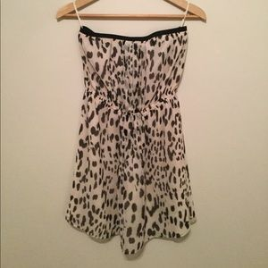 Strapless leopard print dress